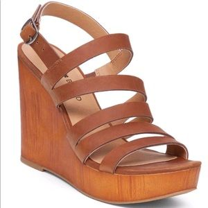 Lucky Brand Tan Leather Larinaa Wedge Sandals 7